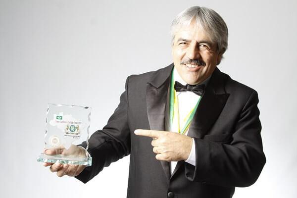Prêmio Excelência e Qualidade Braslider, eleito melhor Terapeuta do Brasil na área de saúde mental na cura de neuroses e psicoses , 2013