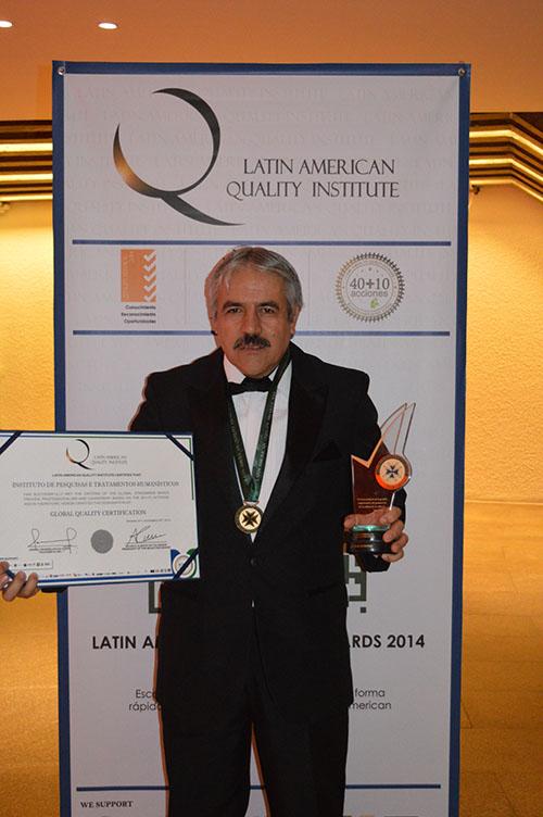 Prêmio Latin American Quality Institute – Panamá – como melhor psicanalista sistêmico da América Latina, 2014.